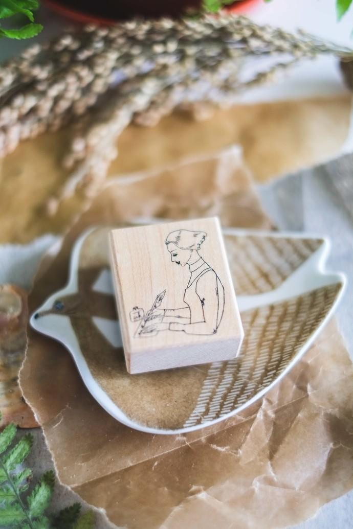 La Dolce Vita wooden stamp - Nib Penholder girl - perfect for journaling & happy