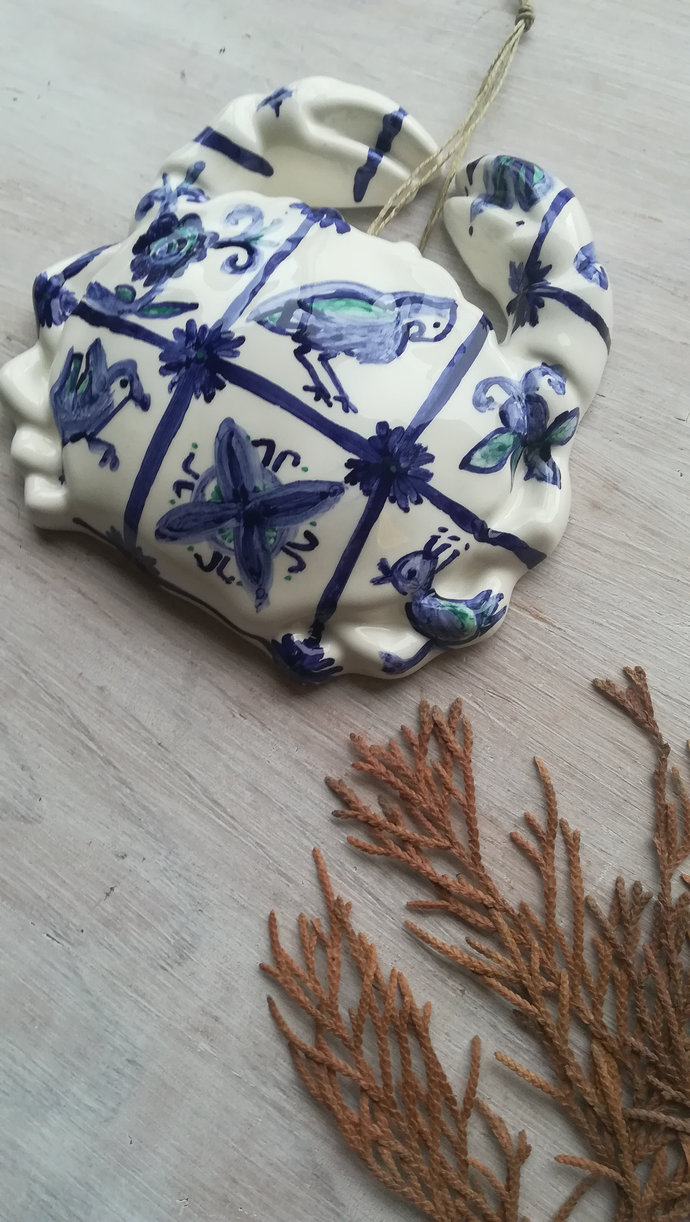 Ceramic crab for wall decor inspired in the Portuguese tiles and Portugal