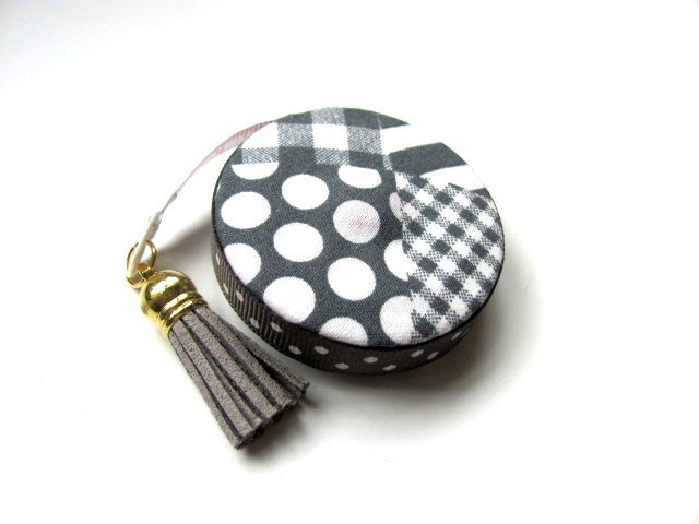 Measuring Tape with Gray Pattern Retractable Tape Measure