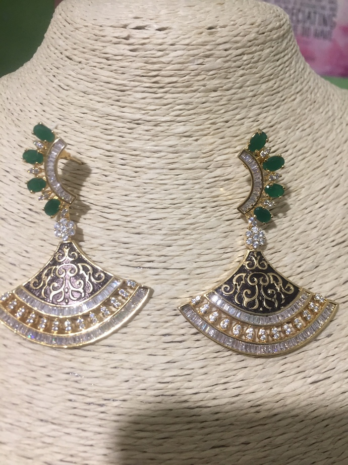 The Green Cubic Zirconia Fan Earrings