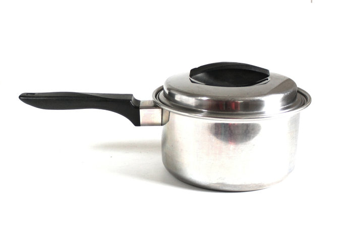 Ekco Flint Ware Cookware, Saucepan or Dutch Oven with Lid 2 or 6 quarts