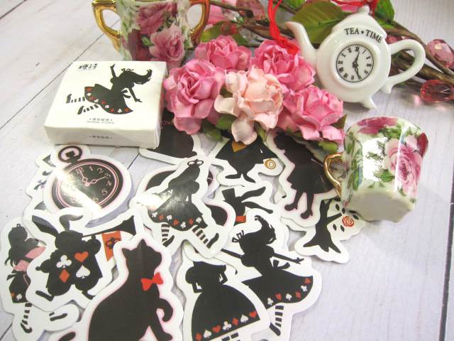 Alice in Wonderland Clock Glaze Metal Charm - Black/White/Pink/Mint