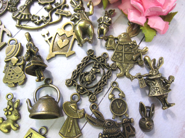 Alice in Wonderland Rabbit Bunny Key Clock Metal Charm Set- 20pc Silver/Bronze