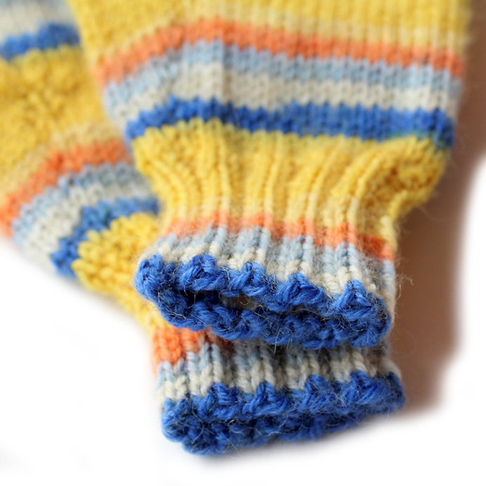 Mittens With Thumb. 12 to 18 Months. Yellow and Blue