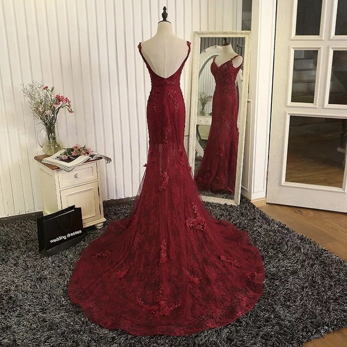 Formal Dresses,Straps Beads Mermaid Evening Dresses with Lace Appliques,Red
