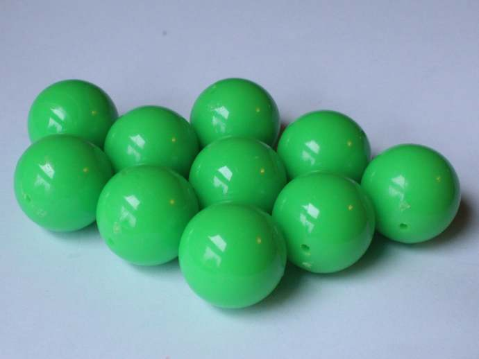 10 20mm Smooth Round Light Green Beads Vintage Plastic Beads Jewelry Making