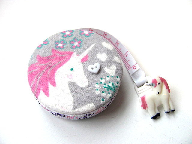 Tape Measure Hearts and Unicorns Retractable Measuring Tape
