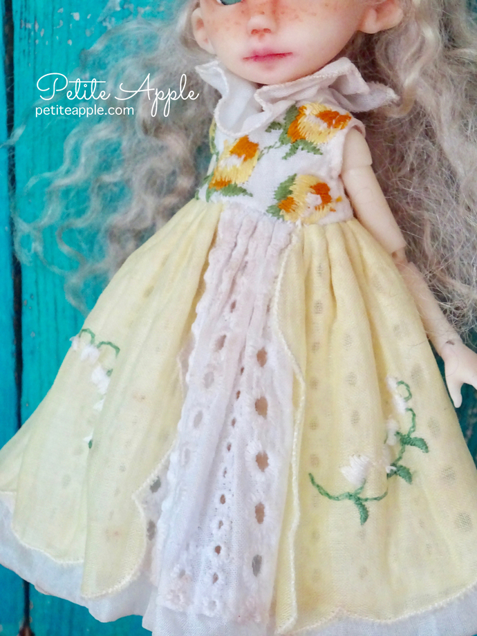 Dress for Middie Blythe and Bbflocking Crickets - Princess of yellow roses