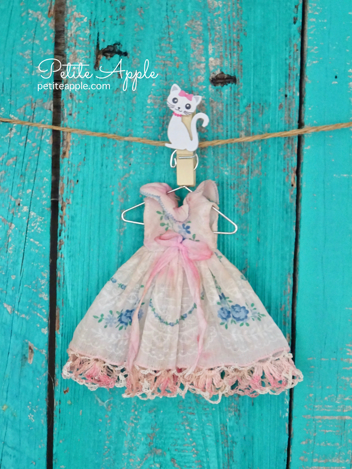 Dress for Middie Blythe and Bbflocking Crickets -*Days of yore*