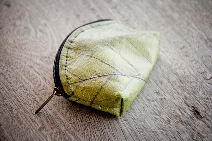 Coin bag from leafes, handemade mini wallet, vegan purse in green