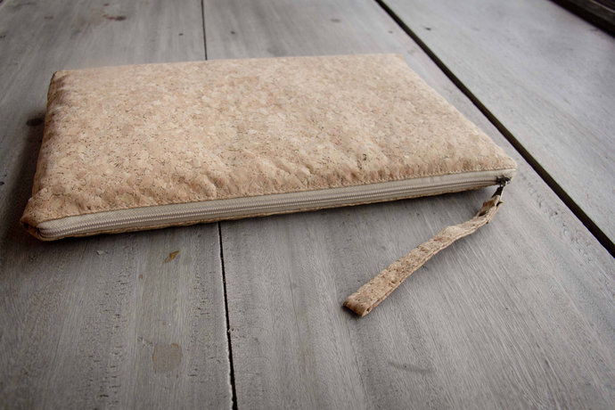 Laptop sase 13 - 14 inch made from cork, handmade laptop sleeve, perfect for