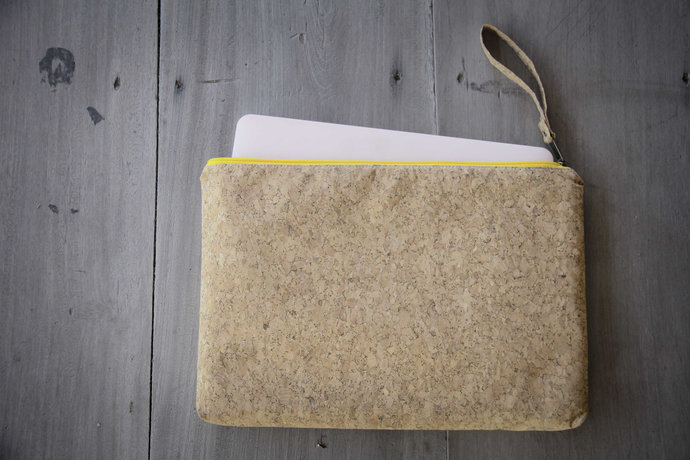 Laptop Case for MacBooks 15 - 16 inch made from cork, laptop sleeve, handmade