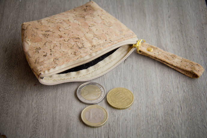 Cork bag, Coin bag, Coin Purse, Mini wallet made of cork, handmade and vegan.