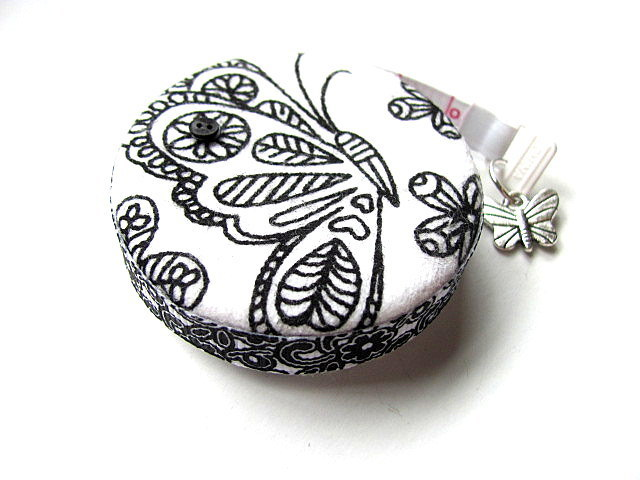 Measuring Tape Black and White Butterflies Retractable Pocket Tape Measure