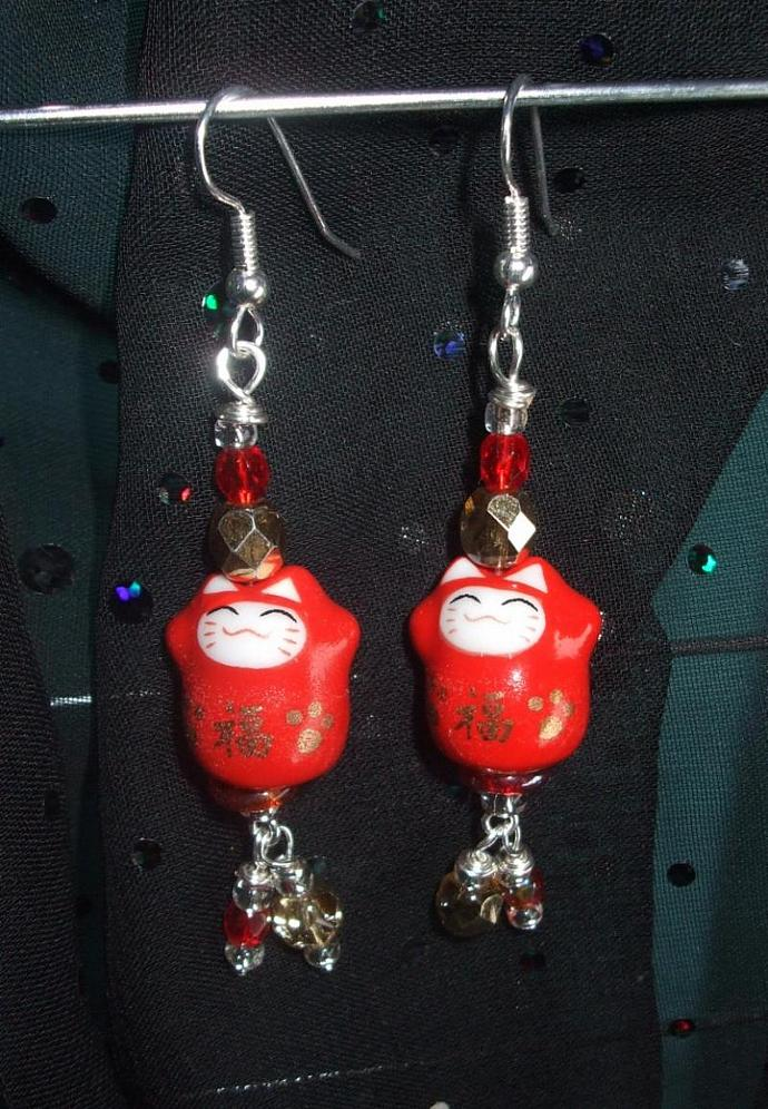 Maneki Neko Red Lucky Cat Earrings