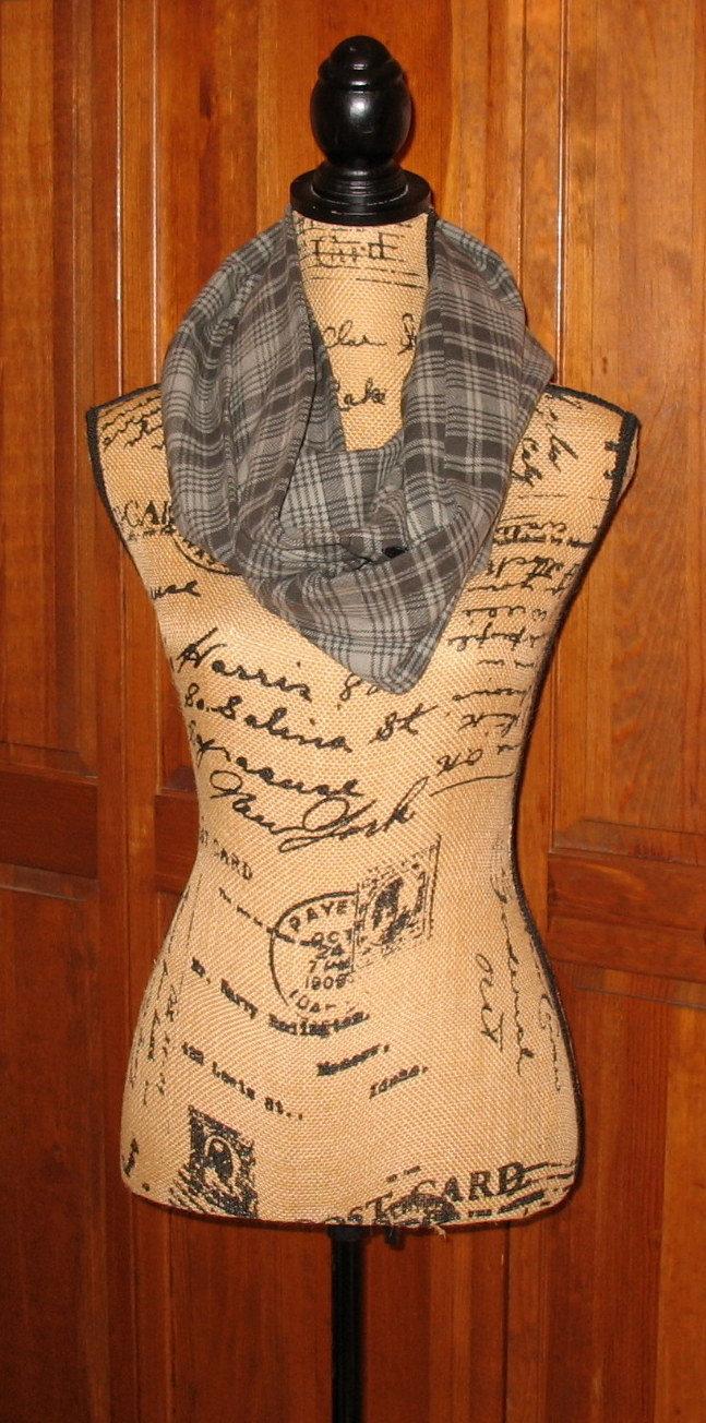 Flannel scarf,  Infinity Pocket Scarf, travel scarf, zipper scarf, money pocket