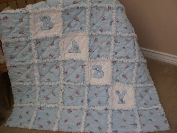 FREE SHIPPING Baby rag quilt with applique