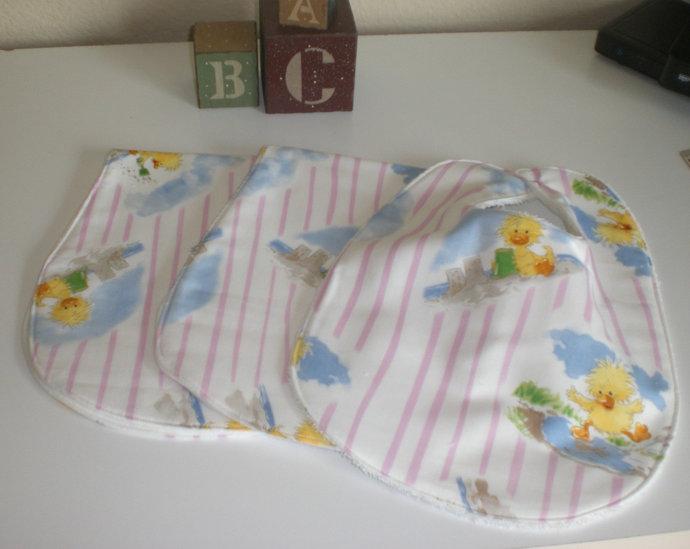 Little Suzy Zoo bib and  burp cloth gift set