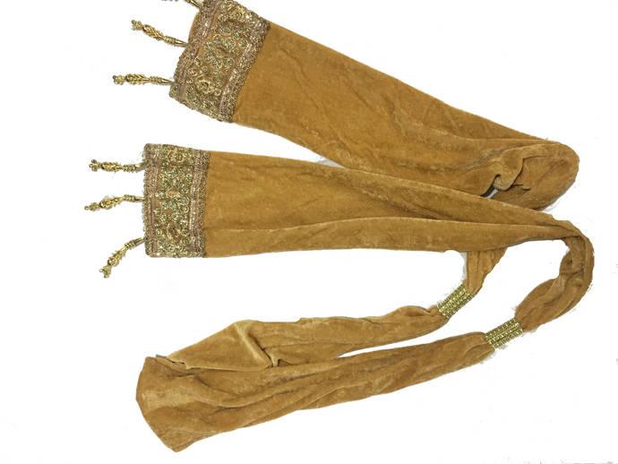 Knitsilk Indian Velvet Stole - Gold