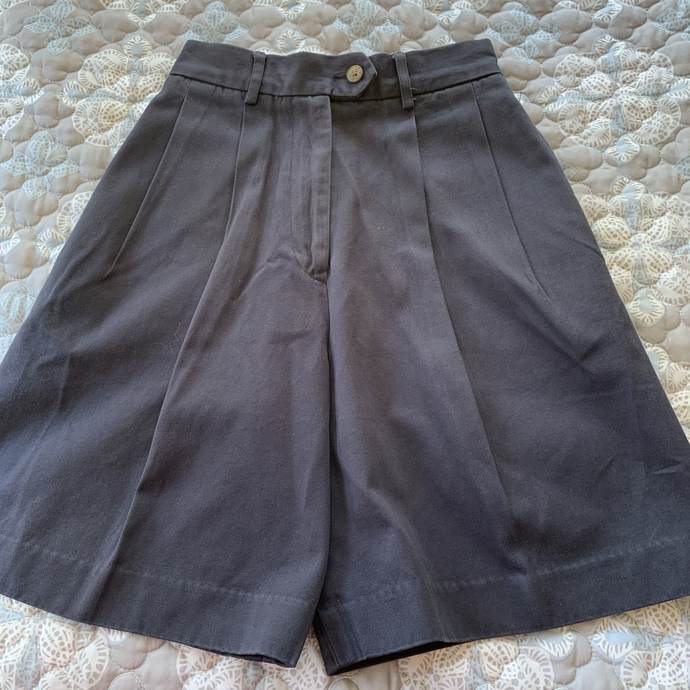 Vintage Faconnable natural waist shorts