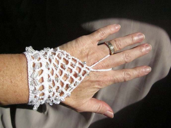 Silver & White Crocheted Handflower Finger Bracelet