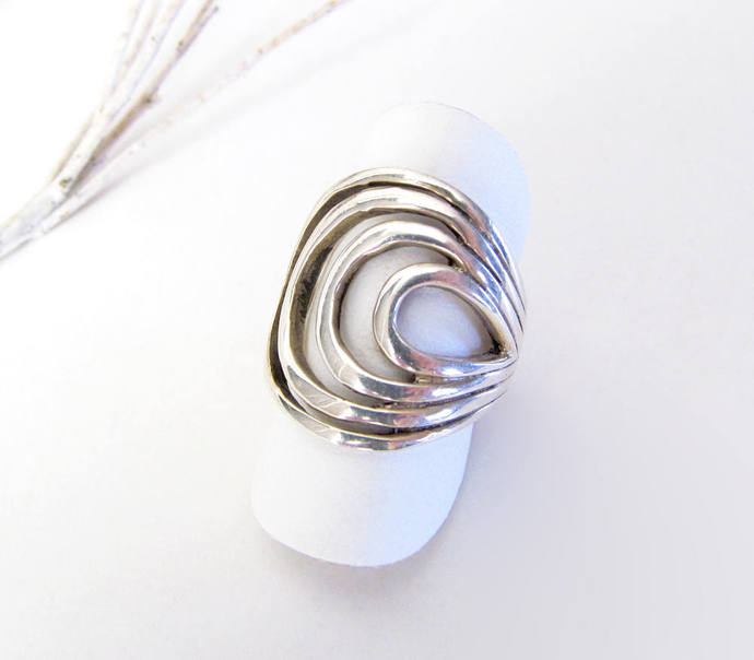 Sterling Silver Ring with Abstract Swirl Design - Silver Ring Size 6 - Vintage