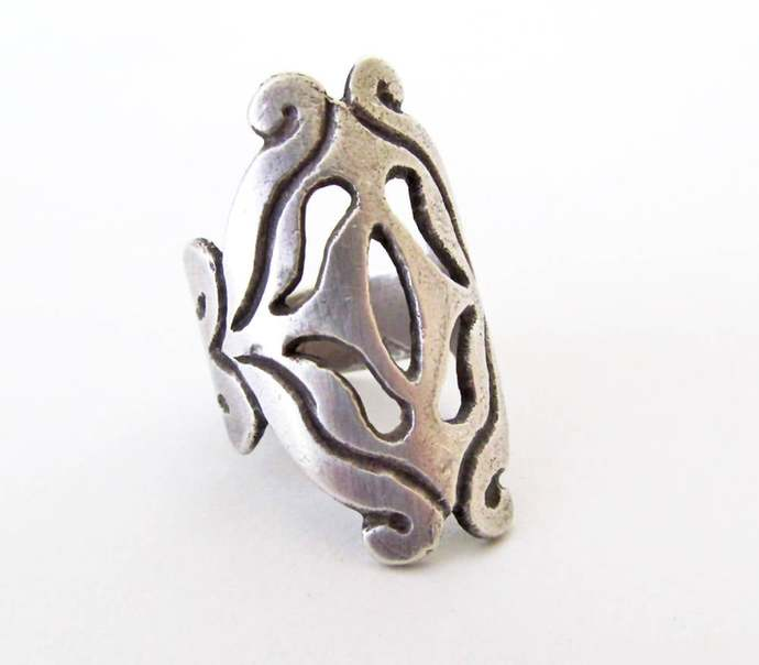 Vintage Sterling Silver Scroll Ring - Rustic Medieval Style Ring - Small Size
