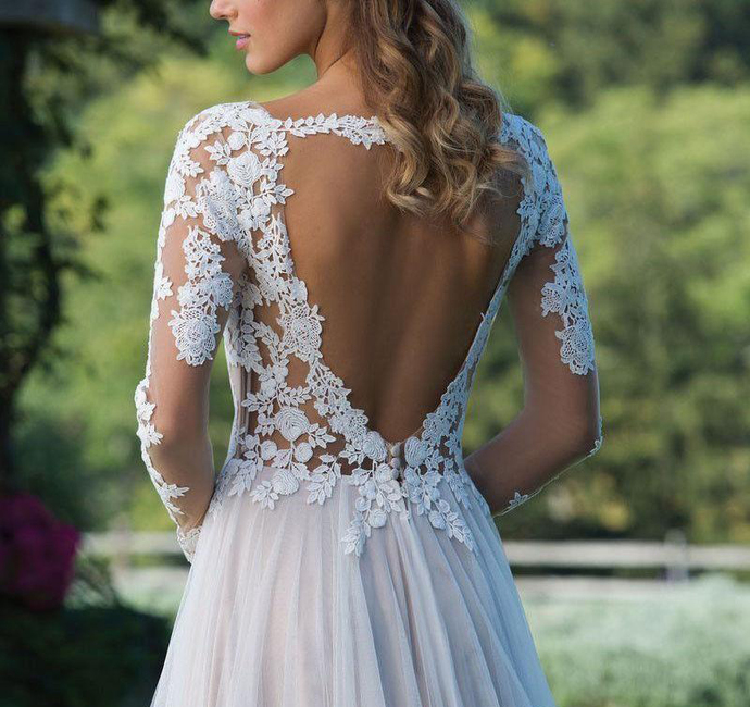 2019 New Country Bohemian Long Sleeve Wedding Dress A Line Sheer Neck Backless