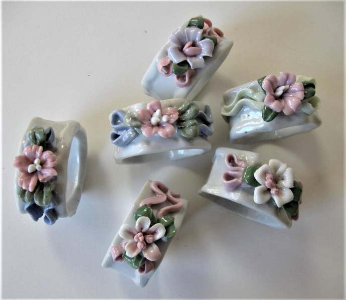 Set of 6 pink and white ceramic flowers napkin rings, vintage napkin holders,