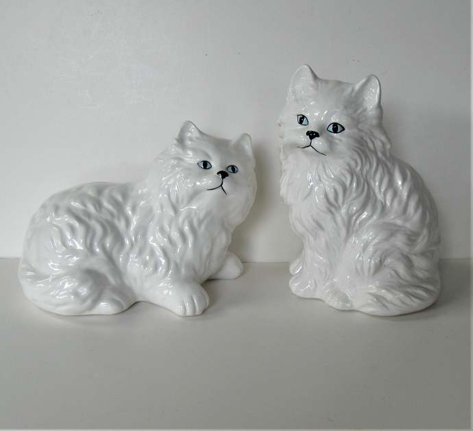 2 vintage ceramic white Persian cats, Stafforshire style kitty figurines, 6