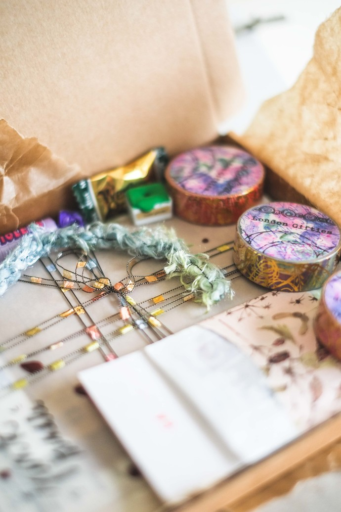 Starter's treasure box - perfect as a gift for yourself for your creative