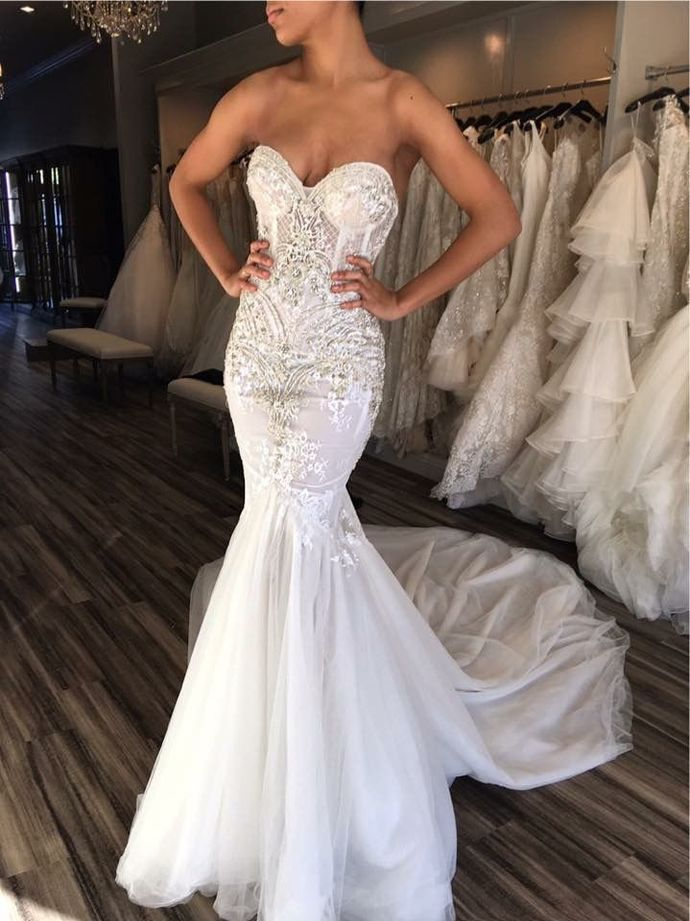 Sweetheart neck Tulle White Mermaid Wedding Dress with Appliques