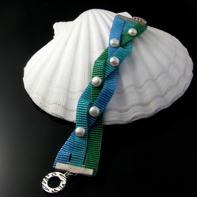 Bead loomed ocean colors mermaid braid bracelet with pearls