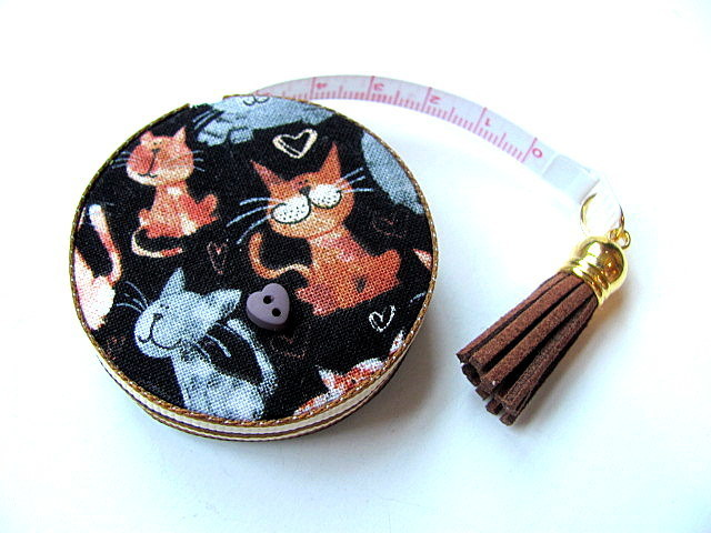 Tape Measure Mixed Cats and Hearts Retractable Measuring Tape