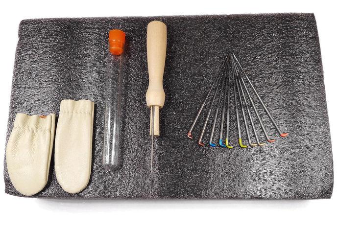 Needle Felting Starter's Kit - Perfect  Christmas Gift! - 12 pack Felting