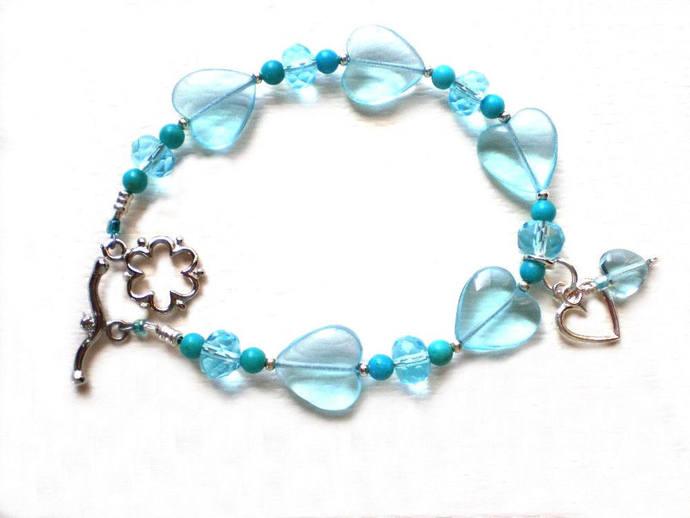 Aqua glass heart bracelet,  8 inch turquoise blue beaded jewelry, wire strung