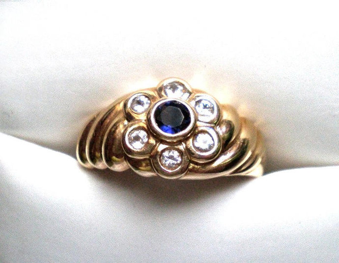 Blue sapphire ring - September birthstone, vintage flower design, blue & white
