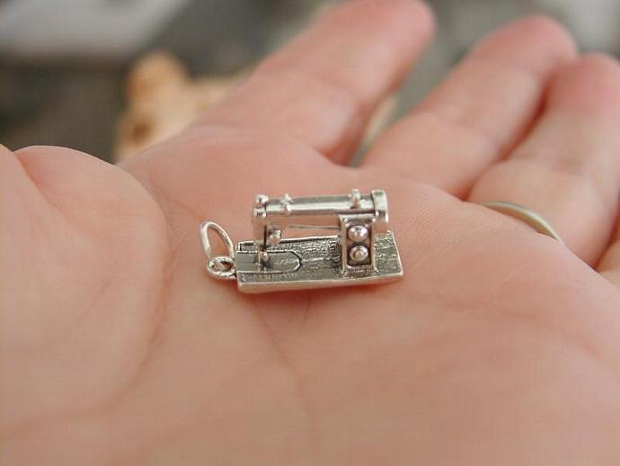 Sewing Machine SS Charm