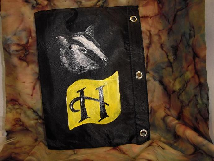 HUFFLEPUFF Binder Pouch- show your house pride