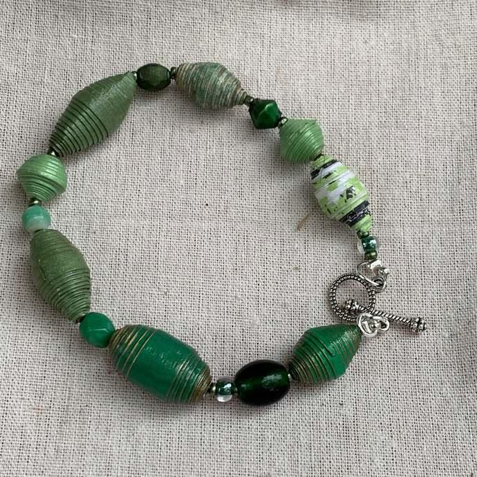Beaded bracelet, single strand, everyday bracelet with matching earrings B1018