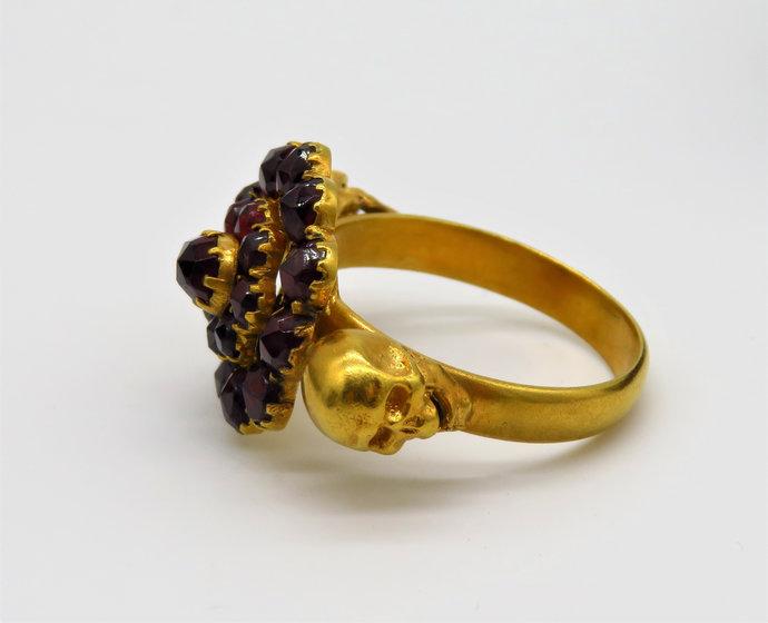 Rare Antique Bohemian Garnet cluster double skull Memento Mori Gold gilded ring
