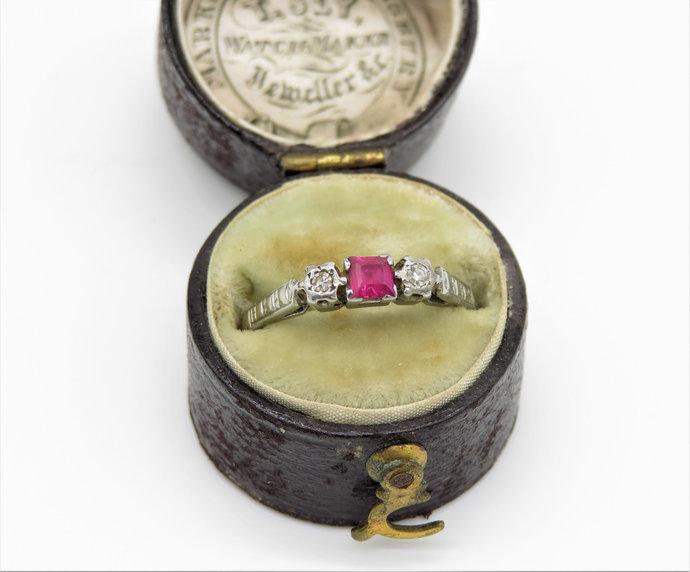 Antique 18ct Gold Ruby & Diamond Ring set Platinum - Art Deco with Original box