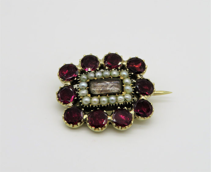 Antique Georgian Flat Cut Garnet Seed Pearl 9ct Gold mourning Brooch