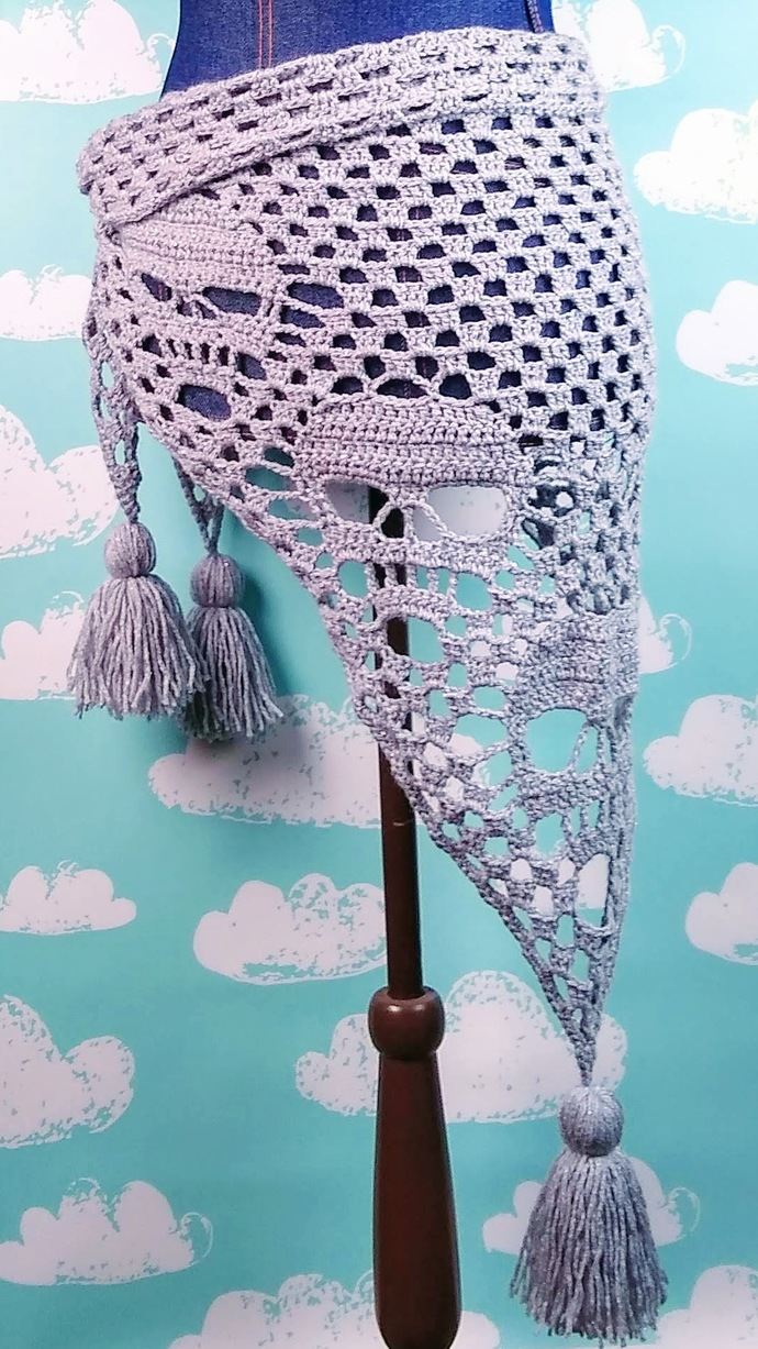 Sparkly Silver Big Skull Shawl