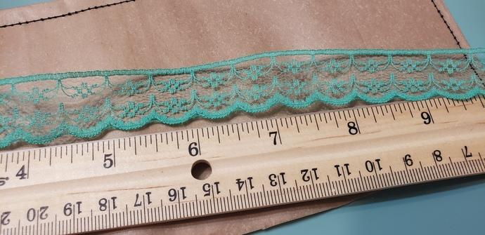 Thin green lace trim 1 yd
