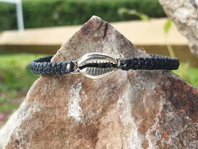 seashell charm bracelet ~ adjustable bracelet ~ stacking bracelet ~ layered