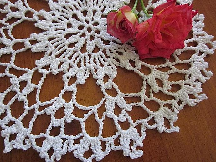 New Handmade Vintage Chic Crocheted White Cloth Doily for sale