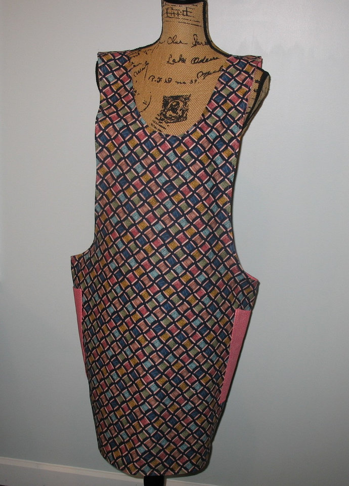 Cross Back apron - Large/XLarge  fully lined