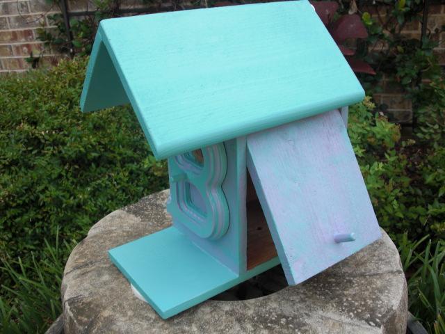 Birdhouse - Letter B