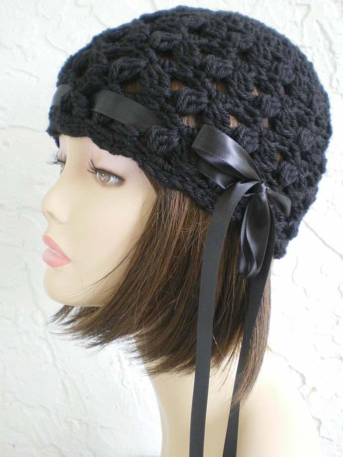 hand crochet cloche beanie hat flapper black woolblend yarn  ~ scallop hat ~